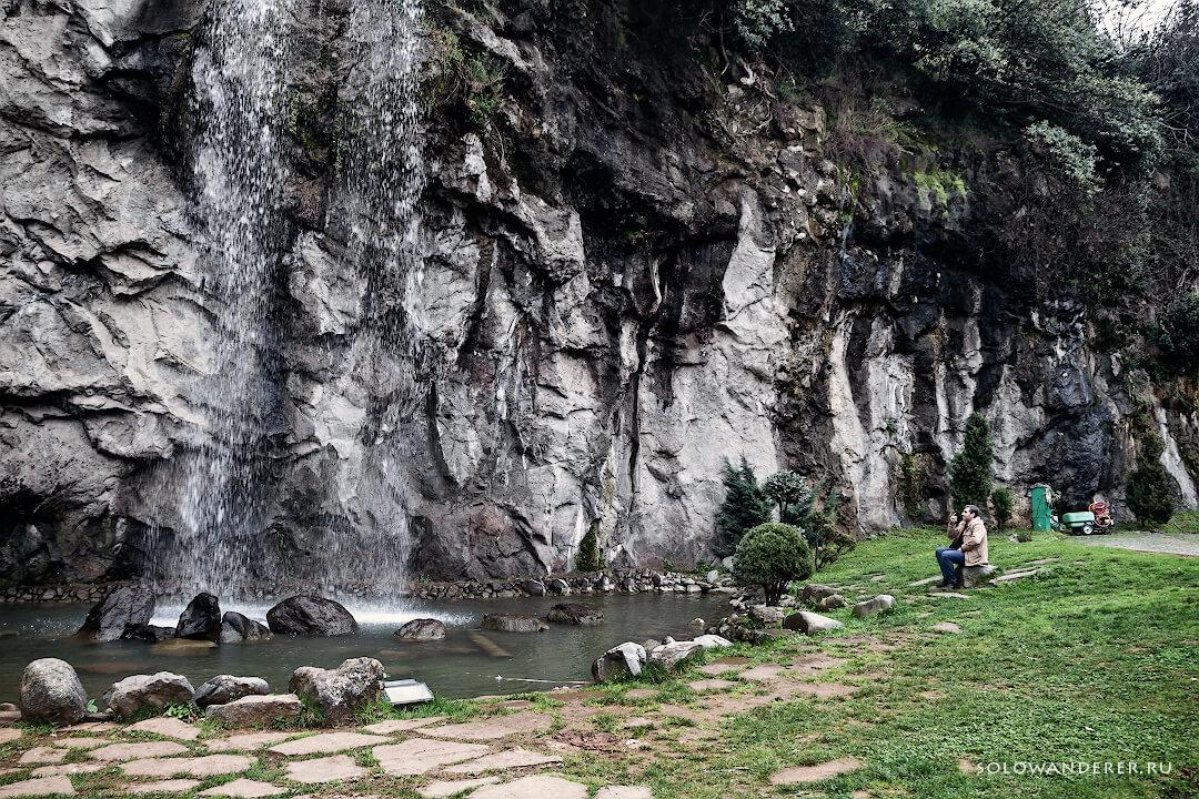 Водопад в центральном парке Трабзон Турция