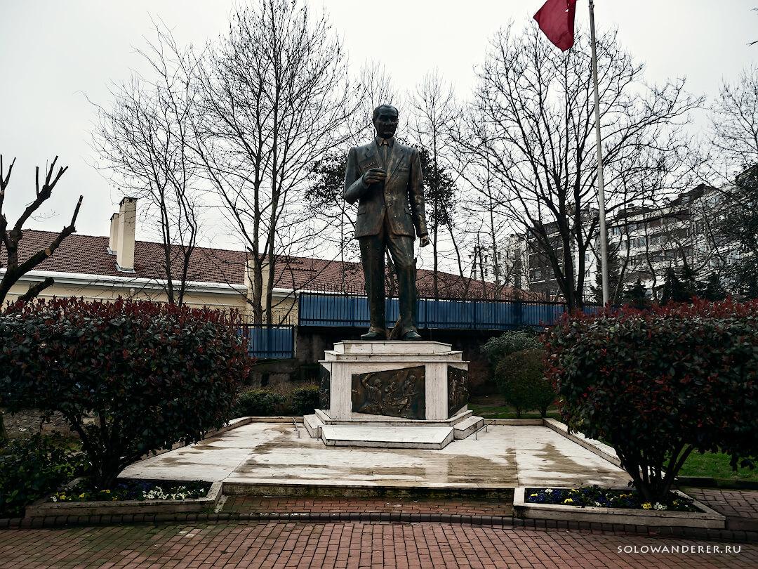 Памятник Ататюрку Стамбул Турция